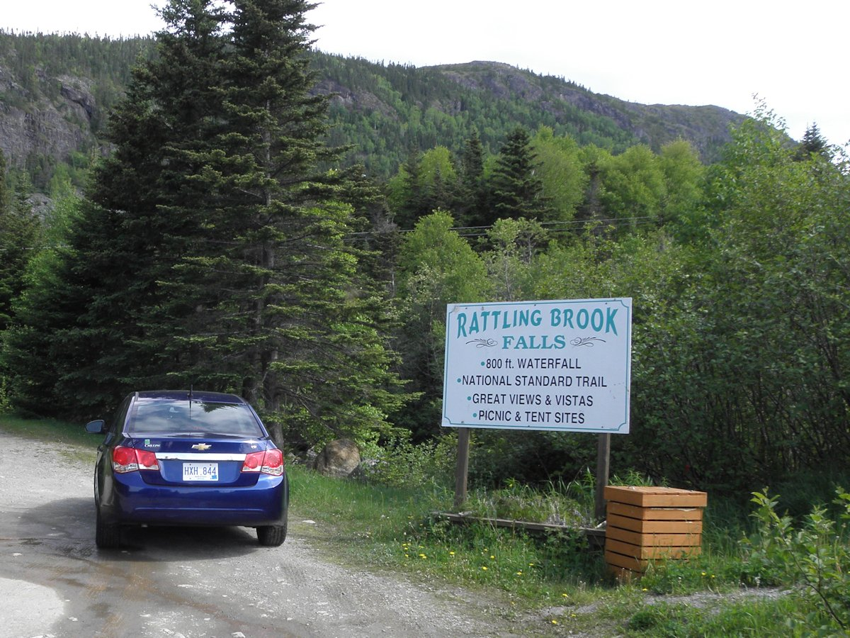 Rattling Brook Falls, Parking & Entrance